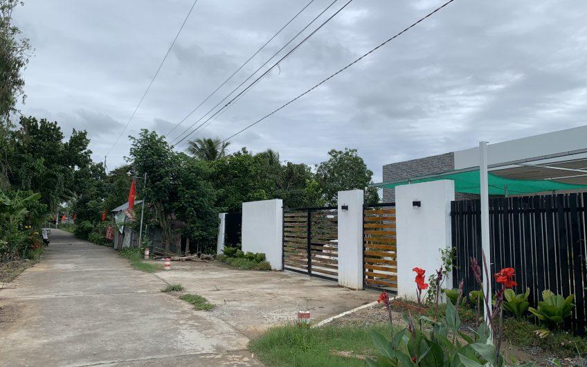 10 Công đất mặt tiền chỉ 690tr/công tặng kèm nhà đẹp